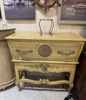 Thomasville elegance silver chest/entryway for Sale in Frederick, MD