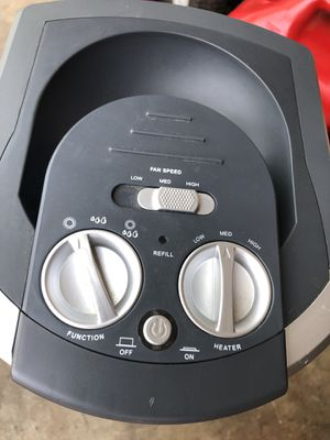 Humidifier and heater combo works great excellent condition for Sale in Waterford Township, MI