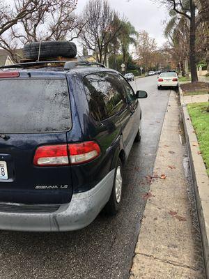 2001 Toyota Siena mini van for Sale in Los Angeles, CA