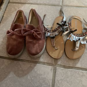 Size 1-2-3-4-5 Girls Shoes $4 Each But The Last Picture Size 5 $8 Each for Sale in Tucson, AZ