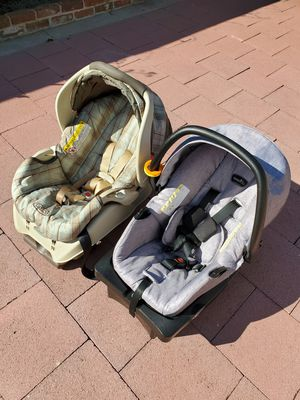 Graco/Evenflo car seat with base $20 each. for Sale in San Lorenzo, CA