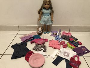 AMERICAN GIRL DOLL ISABEL (with accessories) for Sale in Doral, FL