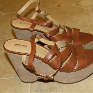 Michael Kors Size 10 Brown Leather And Suede Heels for Sale in Bridgeport, CT