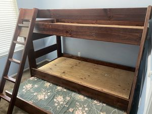Twin Bunk Beds w/ trundle twin for Sale in Riverside, CA