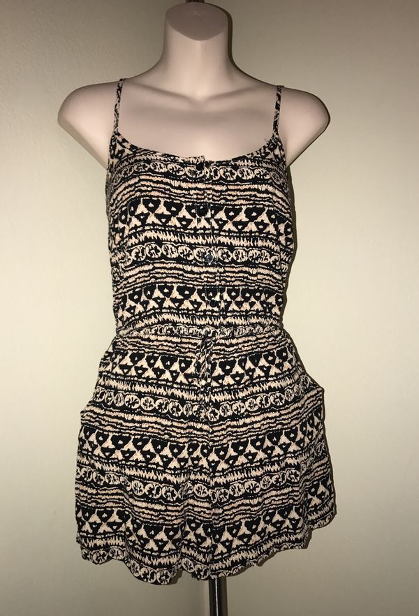 MOVING & CLOSEOUT SALE !!! New Beautiful tribal fall romper for sale !!!