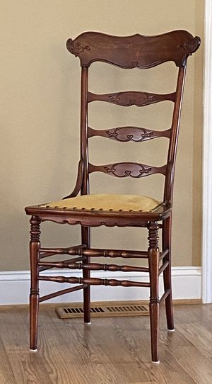 Antique chair for Sale in Anderson, SC
