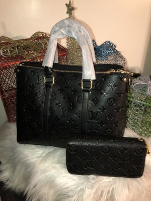 Tote w wallet for Sale in Decatur, GA