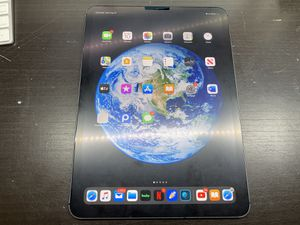 iPad Pro 11 64GB Cellular (Unlocked) for Sale in Brooklyn, NY