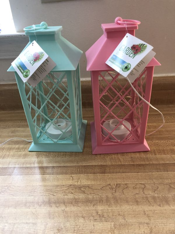 """NEW GARDEN PARTY LED PLASTIC LANTERN 1 GREEN 1 PINK size:h;11.5""""X5.5""""X5.5"""" (Pick up only $12 both"""