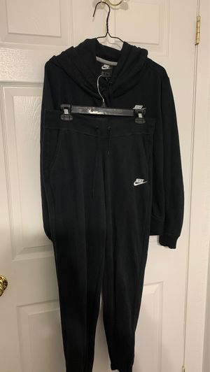 Women's Black Nike Hoodie & Sweat Pants Set for Sale in Mesquite, TX