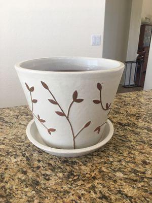 Large ceramic pot for Sale in Gilbert, AZ