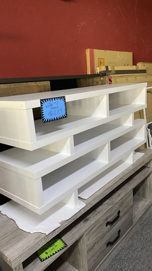 White Wooden Tv stand Fits yp to 55'' TV TR0 for Sale in Euless, TX