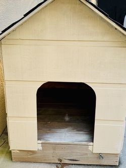 Large Dog House for Sale in Lecanto,  FL