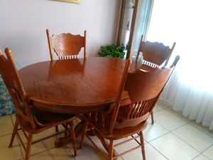 Wooden dining room set for Sale in Dallas, TX