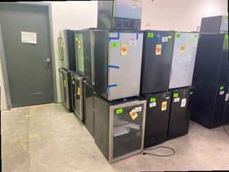 Mini fridge liquidation sale 🙌🏼🙌🏼🙌🏼 VV3W for Sale in Saginaw,  TX