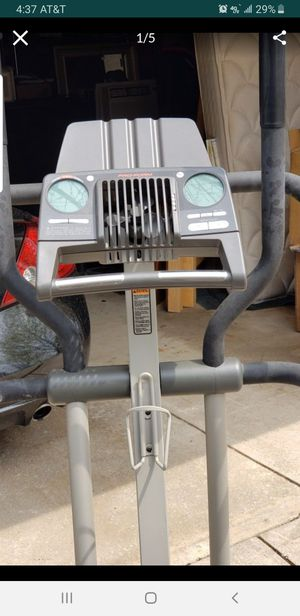 NICE ELLIPTICAL WORKS GREAT for Sale in North Randall, OH