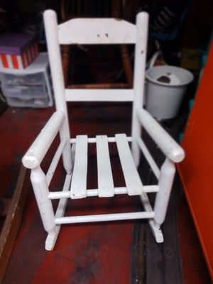 Child's antique farm chair for Sale in St. Louis, MO