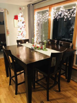 8 person dining room table for Sale in Shoreline, WA