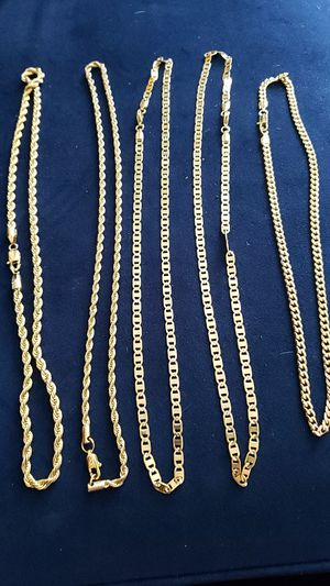 18 inch gold stainless steel chains for Sale in Tampa, FL