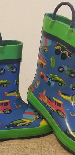 Toddler size 10 rainboots for Sale in New York,  NY