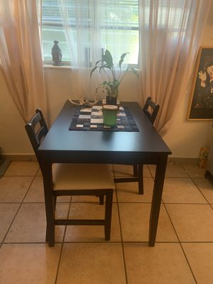 Black dining room/cafe table for Sale in Miami, FL