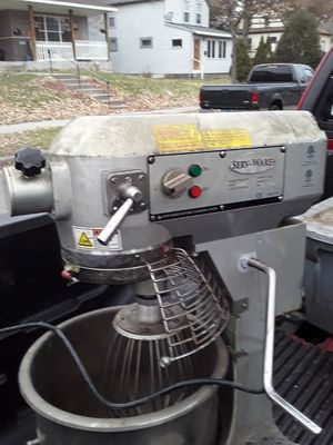 Parts Serv Ware commercial mixer for Sale in Minneapolis, MN