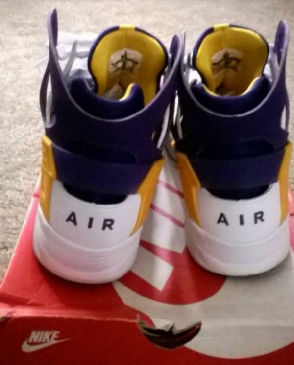 d4d6377786a NIKE AIR FLIGHT HUARACHE 12... Kobe Bryant first shoe with nike. If ...