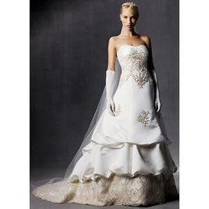Wedding dress Oleg Cassini for Sale in Lynnwood, WA