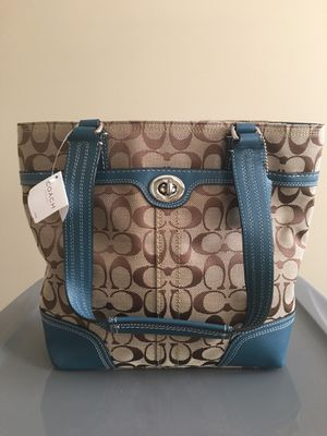 Ladies coach Tote bag. / purse brand new $60 for Sale in Chicago, IL