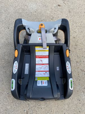 Chicco car seat base good until April 2025 see photo for Sale in Claremont, CA