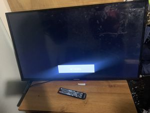40 in element flatscreen barely used with box for Sale in St. Louis, MO