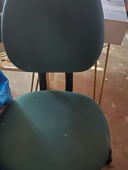 Desk chair for Sale in Fresno,  CA