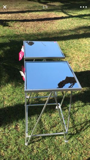 MIRRORED NIGHT STANDS/ SIDE TABLES for Sale in Cutler, CA