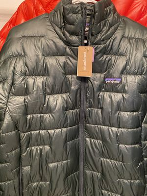 Patagonia Micro Puff Jacket LARGE Green for Sale in Bellevue, WA