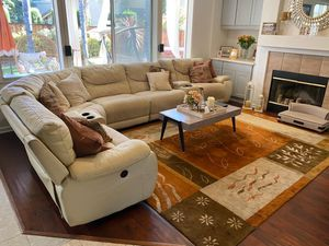Seven piece Bassett Sectional set and area rug for Sale in Hayward, CA