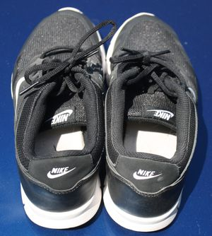Nike Orive NM Running Shoes Black White SZ 9.5Y for Sale in Kissimmee, FL