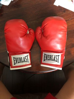 Everlast Red Boxing Gloves for Sale in Joplin, MO