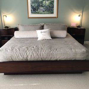 6 Piece King Bedroom Set for Sale in Roswell, GA
