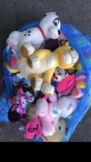 Bag of stuffed animals for Sale in Shelton, CT