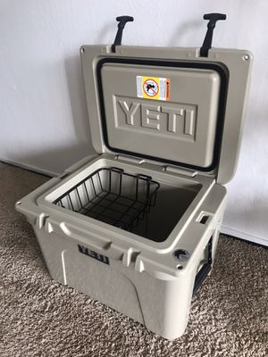 The Yeti tundra 35 cooler for Sale in San Francisco, CA