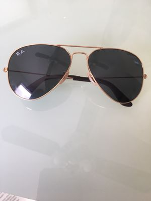 Ray Ban Aviator Sunglasses for Sale in Mundelein, IL
