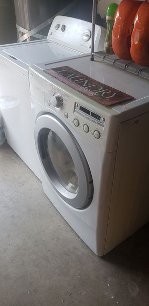 Washer and dryer for Sale in Visalia, CA