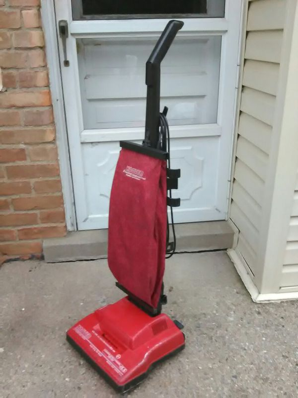 Hoover Encore Supreme Vacuum Cleaner - Just Me And Supreme