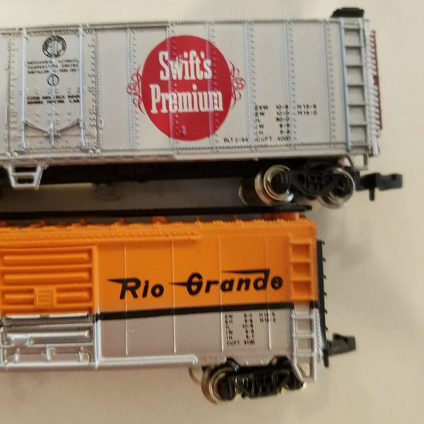 N Scale Train Lot of 5 Cars Bachmann and Mehano