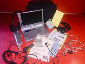 """MINTEK PORTABLE DVD 8.5"""" Model 1815 Plays CDs Remote with Nylon Carry On for Sale in Milton, MA"""