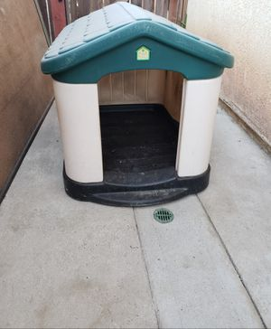 Heavy duty Pet Zone dog house for Sale in Moreno Valley, CA