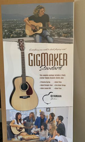 New Yamaha Acoustic Guitar model F325 for Sale in Houston, TX