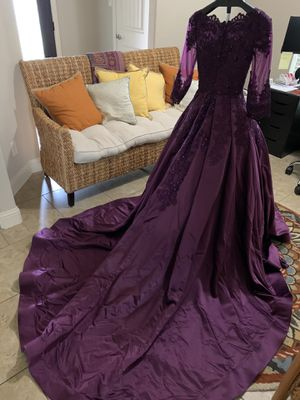 Beautiful Satin ball gown/ prom / quinceanera dress for Sale in Austin, TX