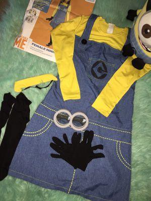Minions girl Costume comes/ Halloween bucket for Sale in Elma, WA
