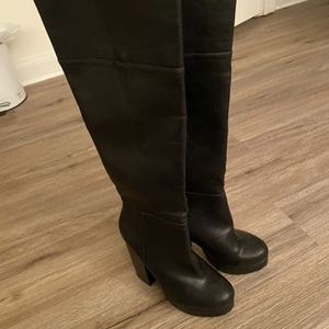 Womens Knee High Black Boots for Sale in Baton Rouge, LA